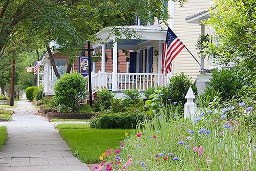idyllic-yards-with-flags.jpg